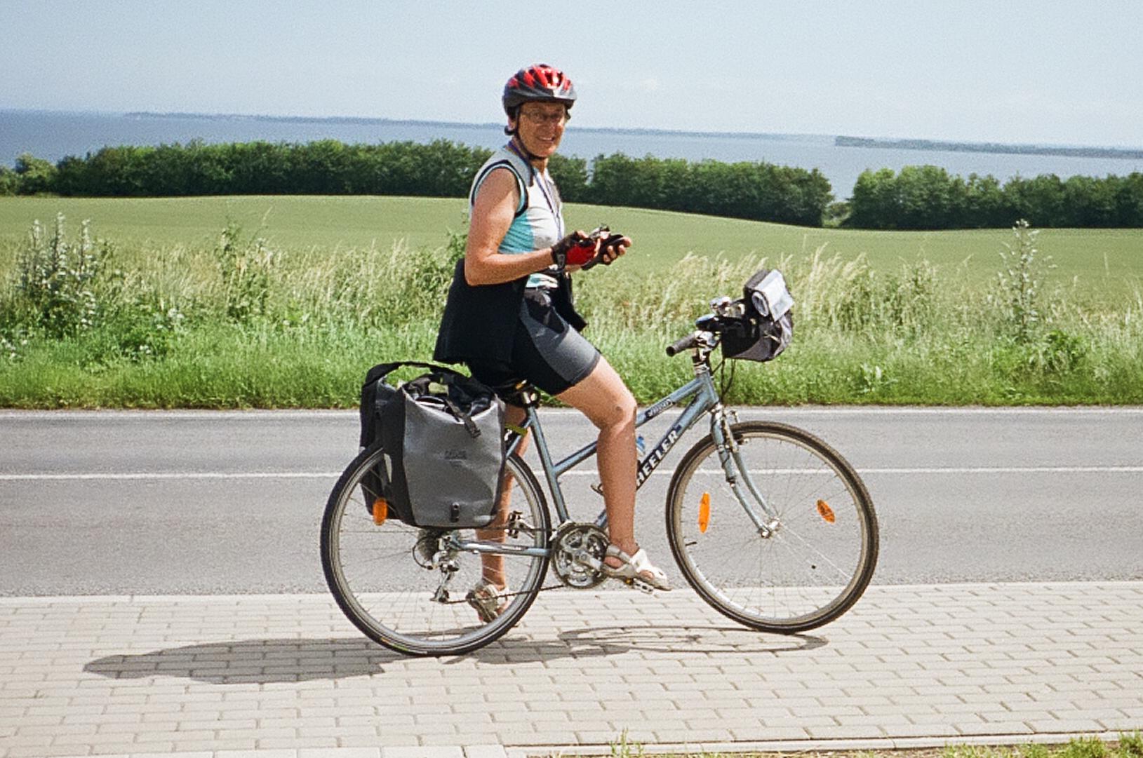 STORIE DEL LUNEDI  La bici e Alfonsina Strada » QDonna ff09439f074
